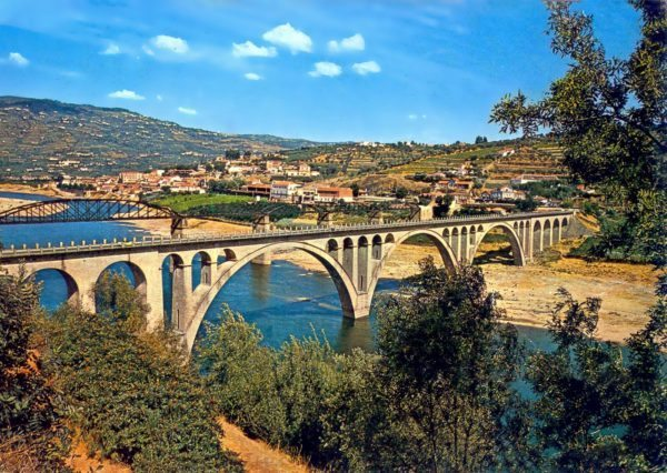 TOUR IN PORTO AND WINE REGION OF DOURO